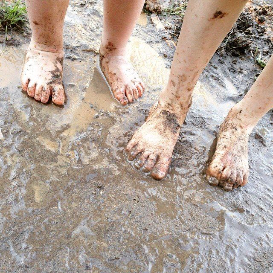 Morning in the Mud with Keri Vasek and The Real Kathy Lee
