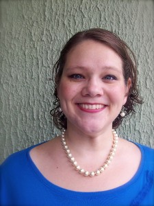 Katie Hornor: Anfitriona/Host
