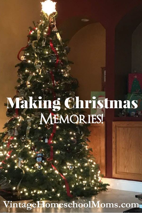 Christmas Memories | What are your favorite Christmas memories? Each year we have so many wonderful memories of Christmas but soon we forget. Here is the solution! A Christmas Memory book! In this episode of Vintage Homeschool Moms, Felice shares another just-for-kids episode with you! | #podcast #homeschoolpodcast #christmasmemories